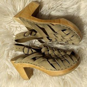 Haurache style clog heels